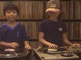 5 Year old Kids On The Turntables