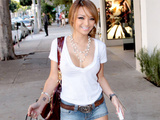 Tila Tequila Nguyen Shopping in LA