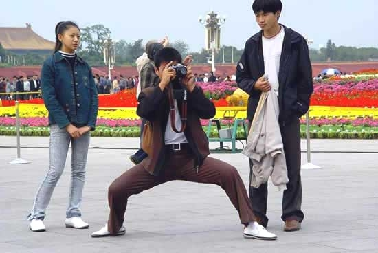 asian-people-taking-pictures-3