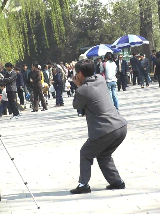 asian-people-taking-pictures-5