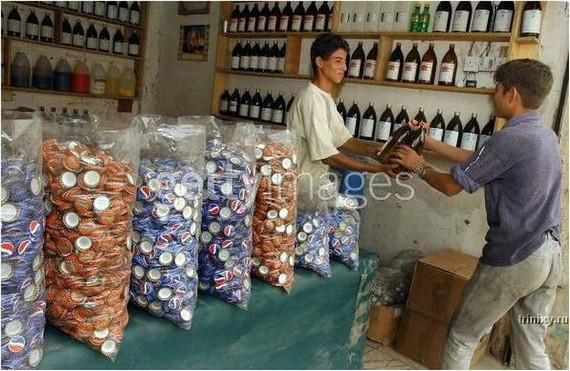 funny-asian-pepsi-plant-9
