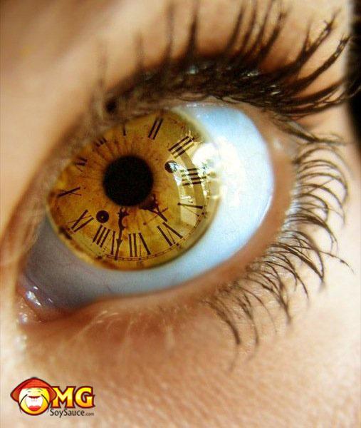 clock-time-eye