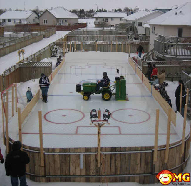 cool-backyard-ice-rink