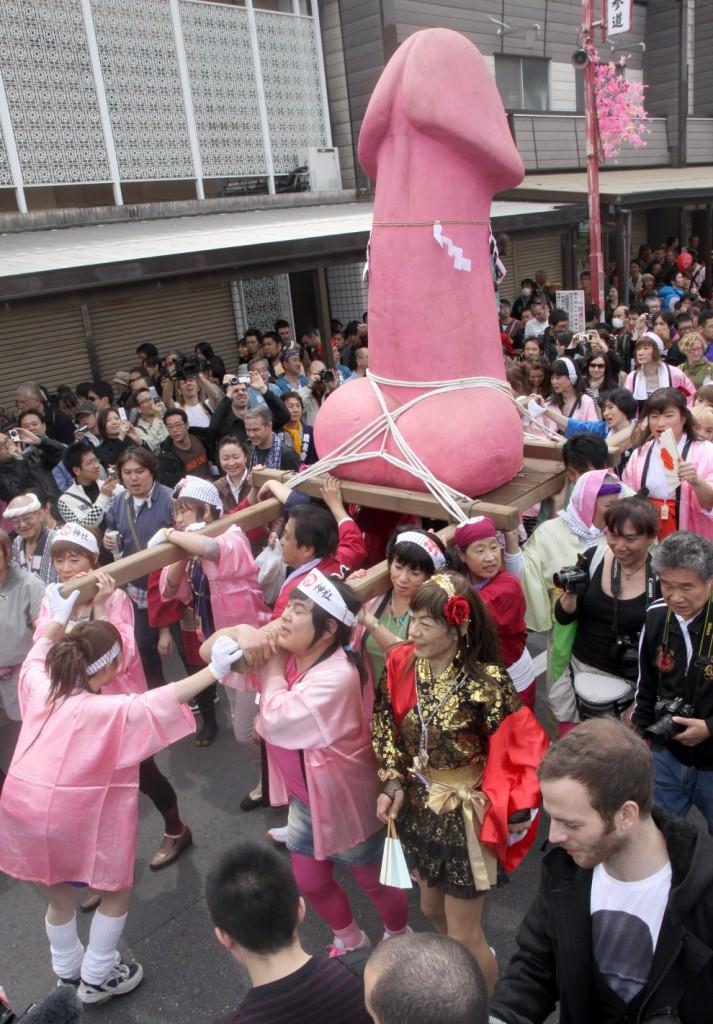 kanamara-penis-festival-japanese-4
