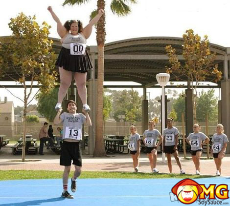 fat-cheerleader-small-dude