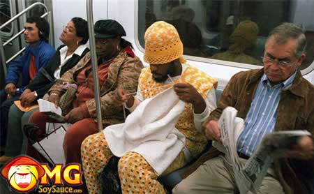 funny-subway-train-pictures-pics-guy-knitting
