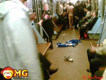 funny-subway-train-pictures-pics-naked-man