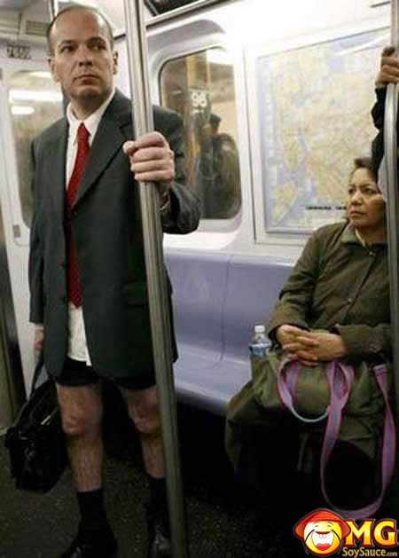 funny-subway-train-pictures-pics-no-pants