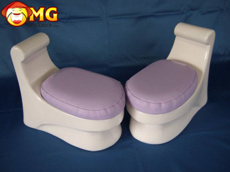 japanese-no-splash-knee-pillows-toilet-funny-2