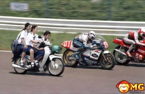 school-girls-asian-bike-race1