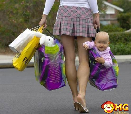 baby-in-shopping-bag
