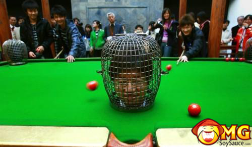 funny-asian-pool-table