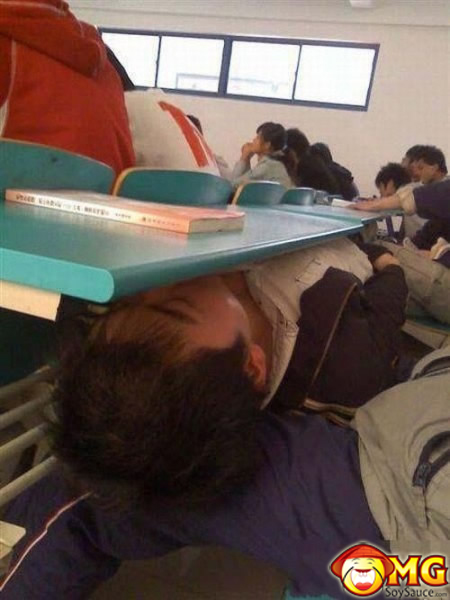 asian-sleep-in-class_1