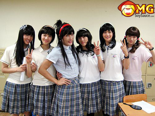 cross-dress-asian-school-boys-girls