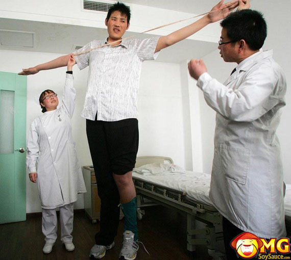 huge-asian-tall-man