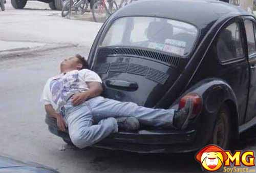 sleeping-on-car