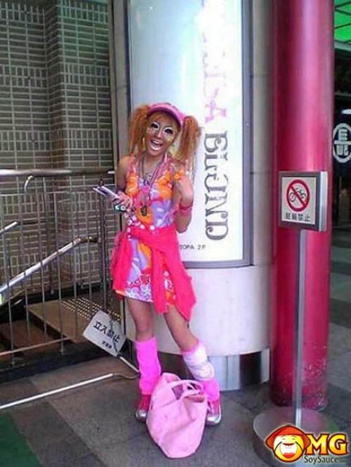 weird-fashion-clown-japan-2