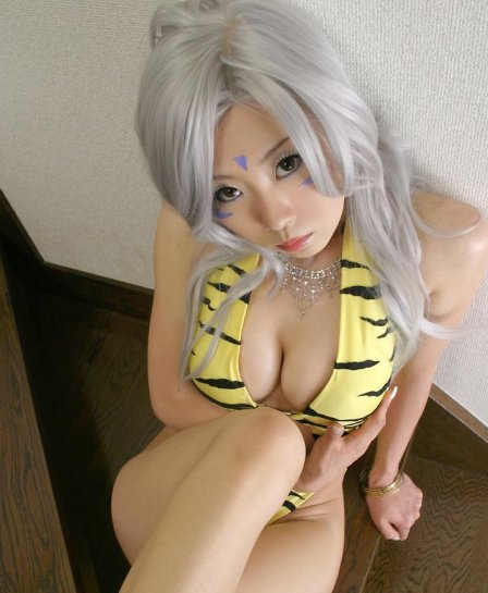 23-sexy-asian-cosplay-cleavage