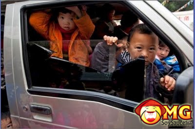 4-school-bus-full-of-kids-china