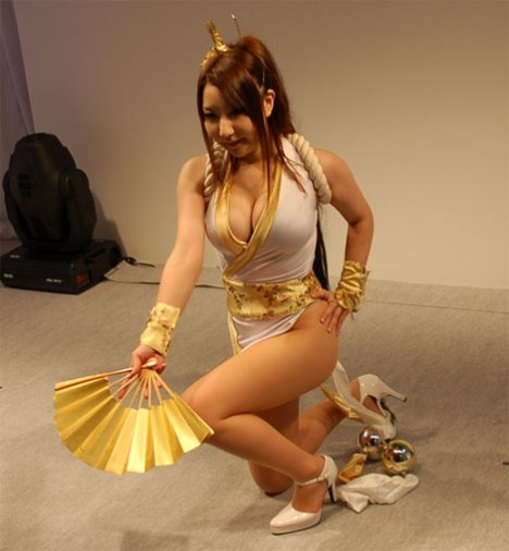 4-sexy-asian-cosplay-cleavage