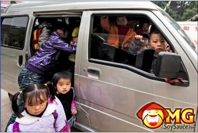 5-school-bus-full-of-kids-china