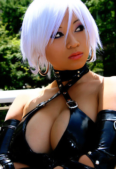 7-sexy-asian-cosplay-cleavage
