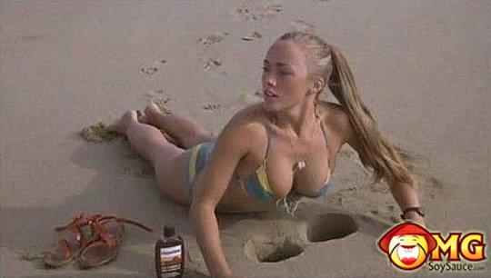 babe-holes-sand