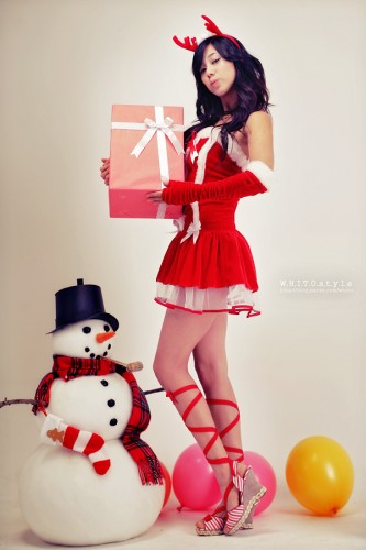 hot-asian-babes-christmas-santa