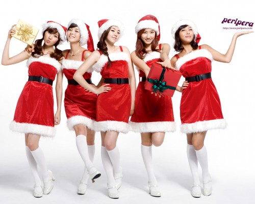 hot-asian-babes-santa-hats