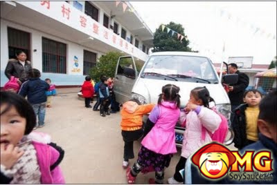 school-bus-full-of-kids-china
