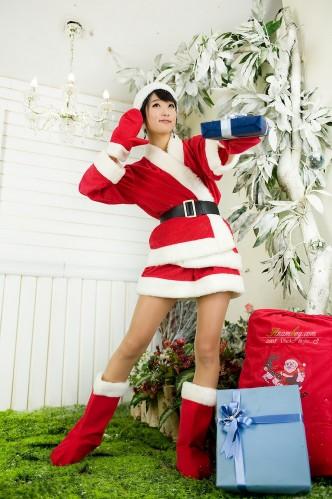 sexy-santa-asian-babes-9