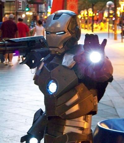 2-amazing-ironman-costume